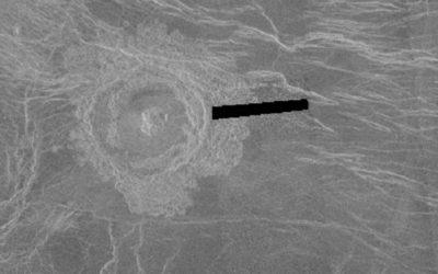 Este é o cráter Rosalía de Castro no planeta Venus